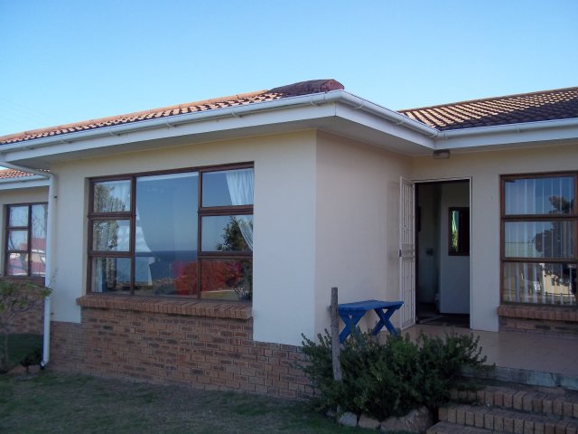 3 Bedroom House In Reebok With Sea View Holiday