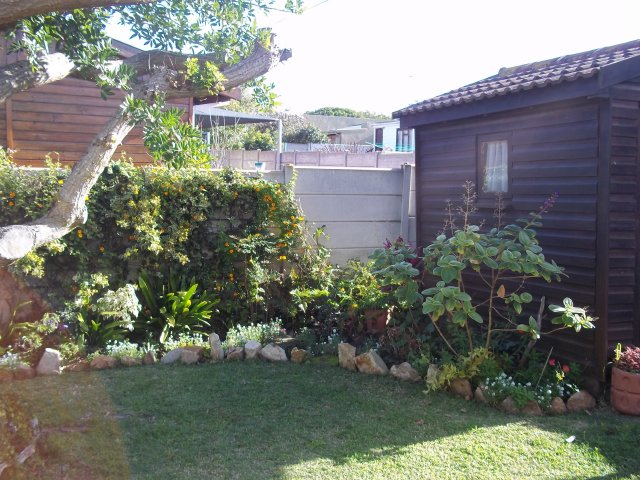 Holiday Rentals & Accommodation To Rent - Rental Ref LBO - 34583 - Holiday Accommodation in Klein Brak Rivier, Garden Route, South Africa