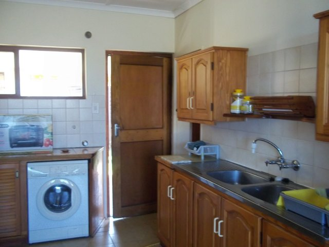 Holiday Rentals & Accommodation To Rent - Rental Ref LBO - 34583 - Holiday Accommodation in Reebok, Garden Route, South Africa