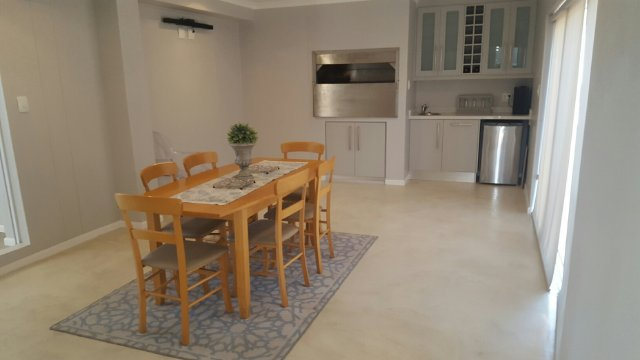Holiday Rentals & Accommodation To Rent - Rental Ref LBO - 35545 - Beachfront Accommodation in Grootbrakrivier, Garden Route, South Africa