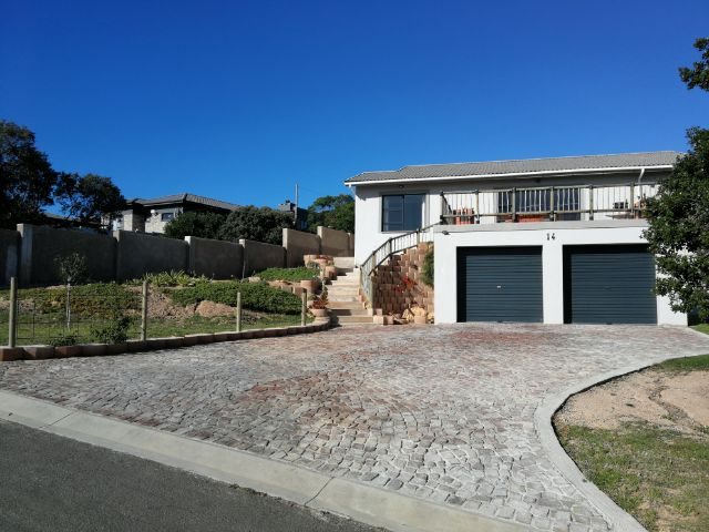 Property Rentals & Holiday Accommodation - Holiday House in Fraaiuitsig, Mosselbay, Garden Route, South Africa