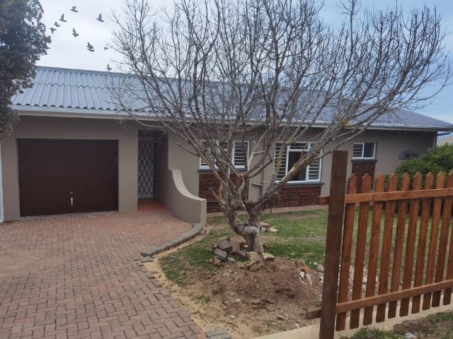 Property Rentals & Holiday Accommodation - Self Catering in Reebok, Little Brak River, Mosselbay, South Africa